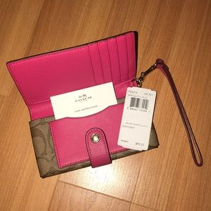 NWT Coach phone clutch wallet